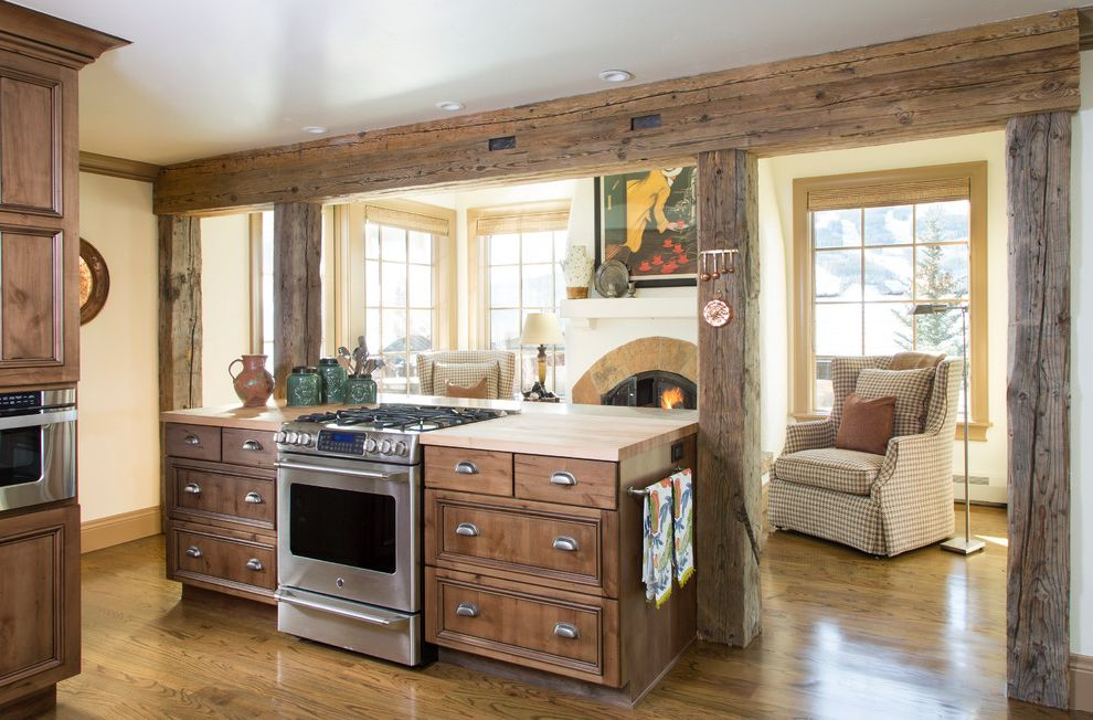 Samsung Stoves with Rustic Kitchen Also Chopping Board Mountain Home Post and Beam Range Exhaust Range Top Reclaimed Wood Frame Ski House Vail