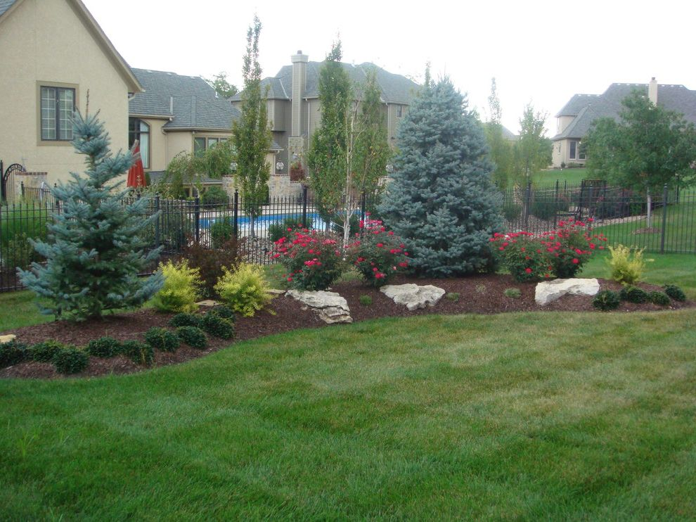 What is a Berm   Traditional Landscape Also Traditional