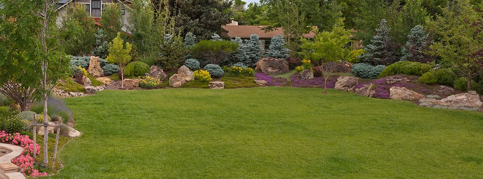 What is a Berm   Traditional Landscape  and Traditional