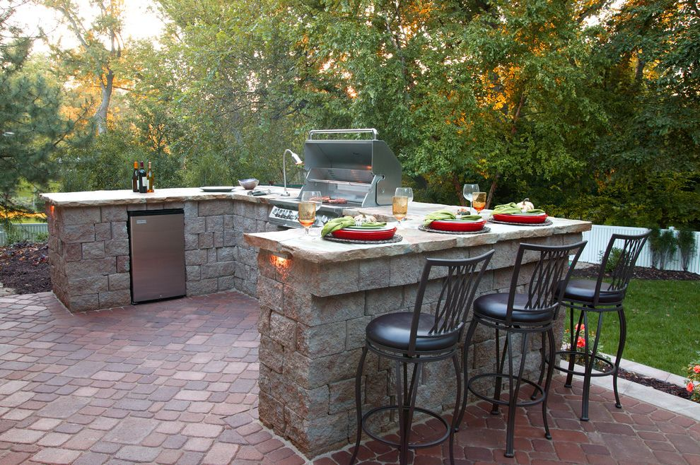 Bar B Que Grills   Traditional Patio Also Brick Patio Brick Paving Built in Grill Counter Grass Grill Integrated Grill Lawn Metal Counter Stool Outdoor Kitchen Paver Patio Red Brick Patio Stone Bar Stone Counter