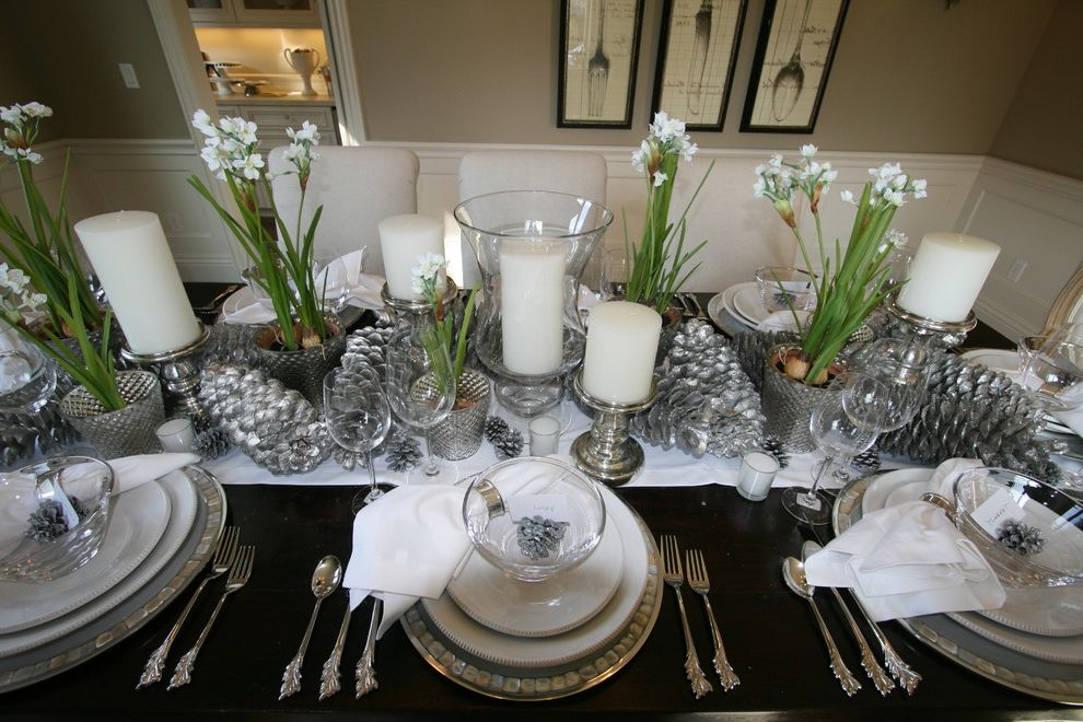 Budget Pembroke Pines with Traditional Dining Room  and Christmas Holidays Tablescape