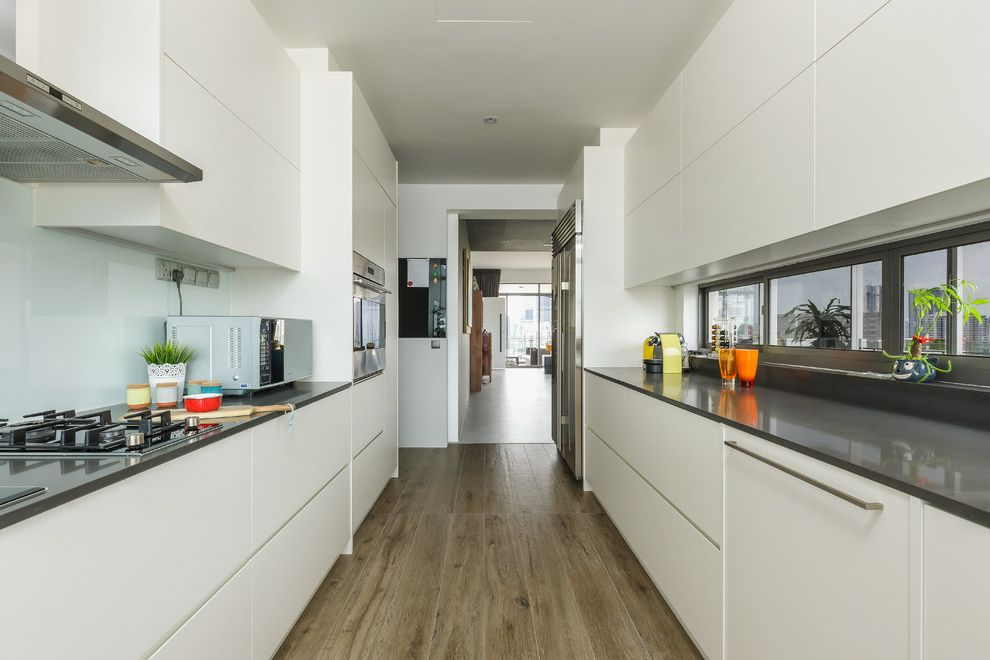 Latitudes Apartments   Contemporary Kitchen Also Bto Contemporary Drawer System Handle Less Cabinets Hdb Inner Cabinets Legrabox Modular Kitchen Orga Line Dividing System Organisation Space Maximisation Urban Kitchen White Kitchen