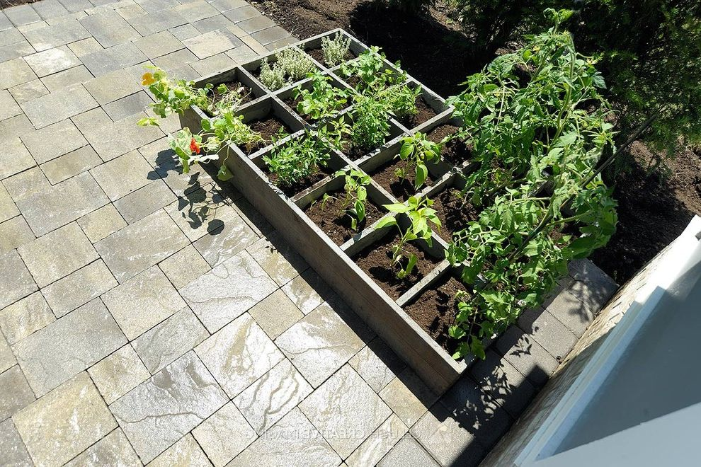 Square Foot Garden Planner   Traditional Landscape  and Raised Bed