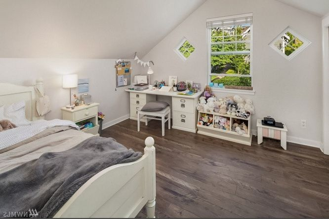 T&a Supply    Spaces Also Bedroom Bentley Grey Laminate Smoke Tas Flooring White
