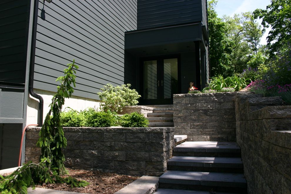 Versa Lok Colors with Traditional Landscape  and Front Steps and Walls with Versa Lok Blo