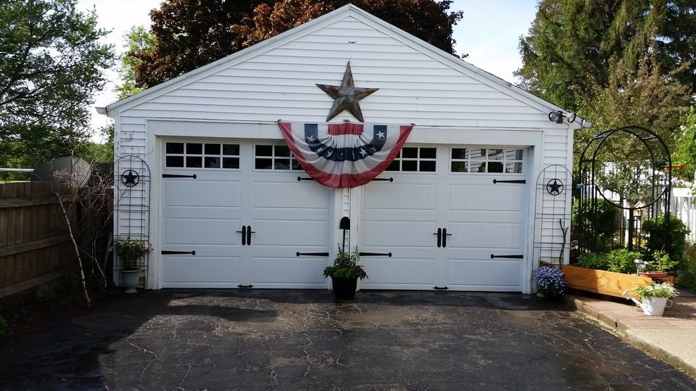 Hamburg Overhead Door   Traditional Garage Also Traditional