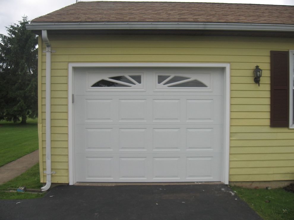 Hamburg Overhead Door with Traditional Garage  and Traditional