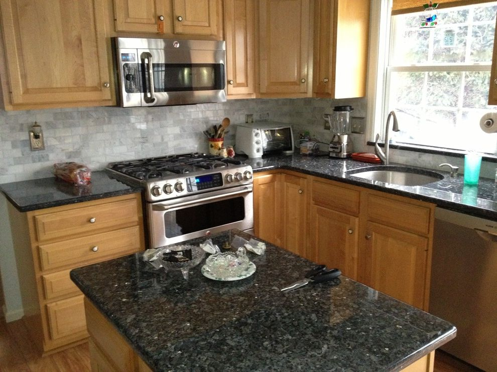 Lowes Reading Pa   Traditional Kitchen Also Countertops Backsplash