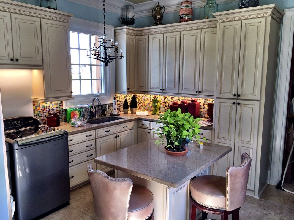 Lowes Hattiesburg Ms with Traditional Kitchen Also Cabinet Design Cabinets Hattiesburg Kitchen Kitchen Cabinet Design Kitchen Cabinets Laundry Room Laundry Room Cabinets Pantry Pantry Cabinets Shenandoah Shenandoah Cabinetry