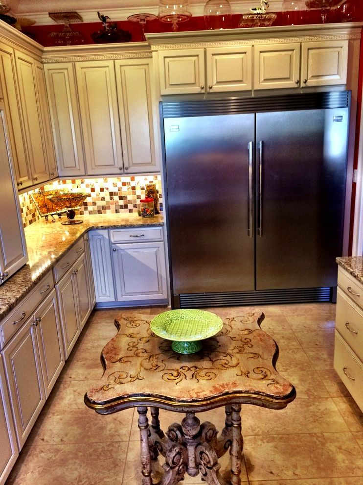 Lowes Hattiesburg Ms with Traditional Spaces Also Cabinet Design Cabinets Kitchen Kitchen Cabinet Design Kitchen Cabinets Pantry Pantry Cabinets Shenandoah Shenandoah Cabinetry