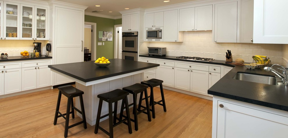 White Cabinets Dark Countertops Traditional Kitchen Farmhouse Undermount Sink Shaker Cabinets